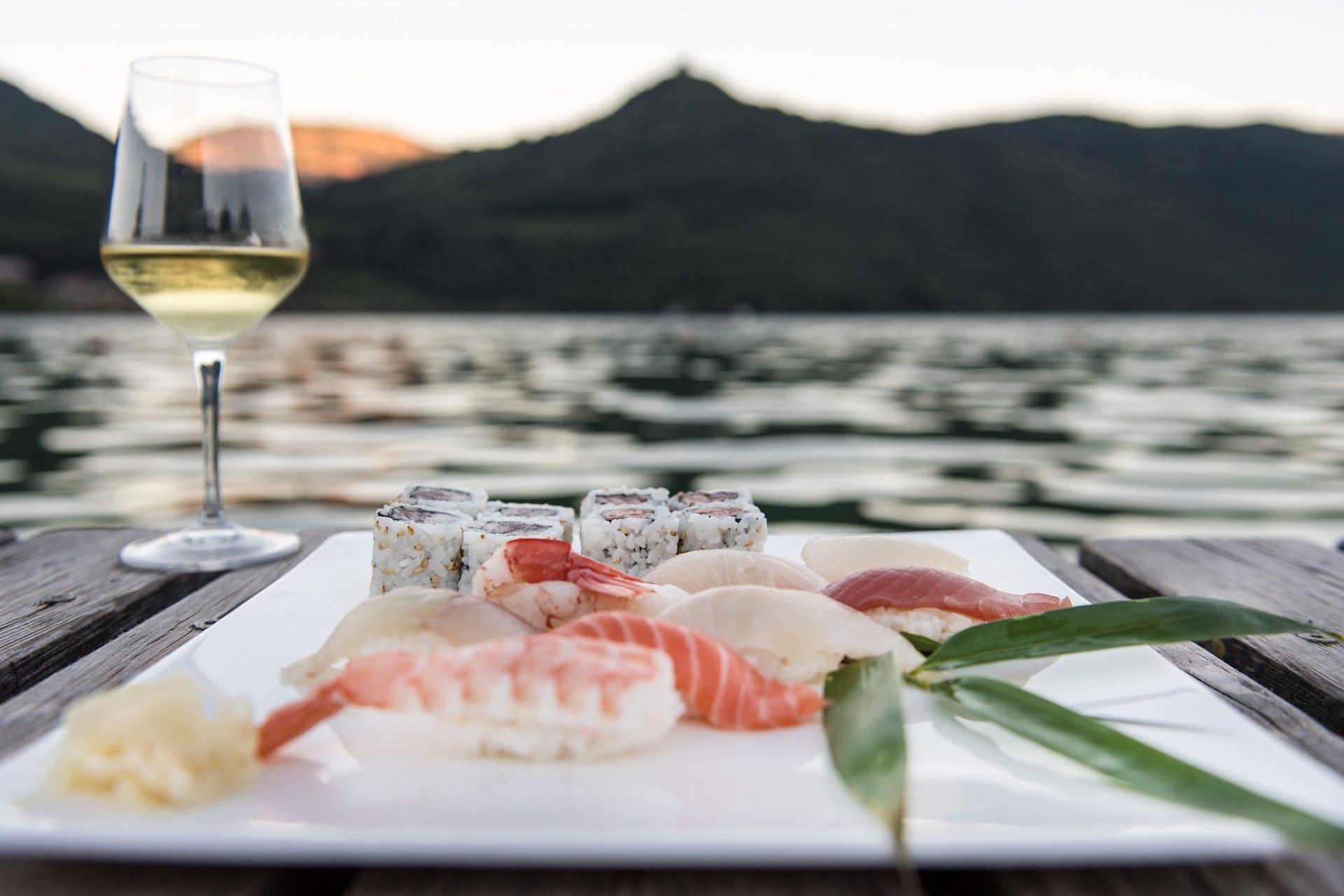 Sushi-Bar mit/con Kato Shozo